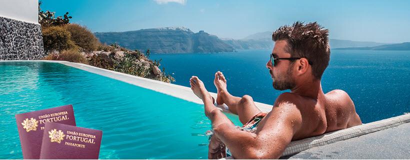 בחור בבריכה בפורטוגל